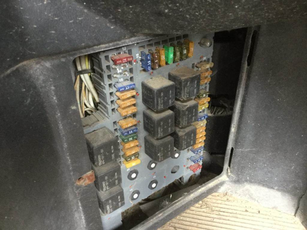hight resolution of 2005 peterbilt fuse box location wiring diagram operationspeterbilt fuse box location wiring diagram inside 2005 peterbilt