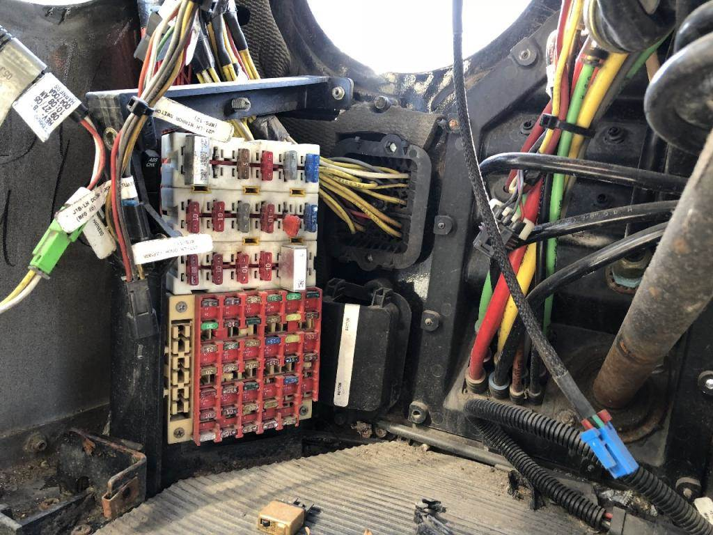 hight resolution of kenworth t2000 fuse box best wiring librarypeterbilt fuse panel wiring wiring diagram 2003 kenworth w900 muffler