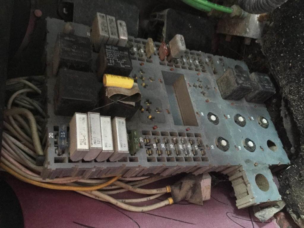 hight resolution of 2000 peterbilt 379 fuse box