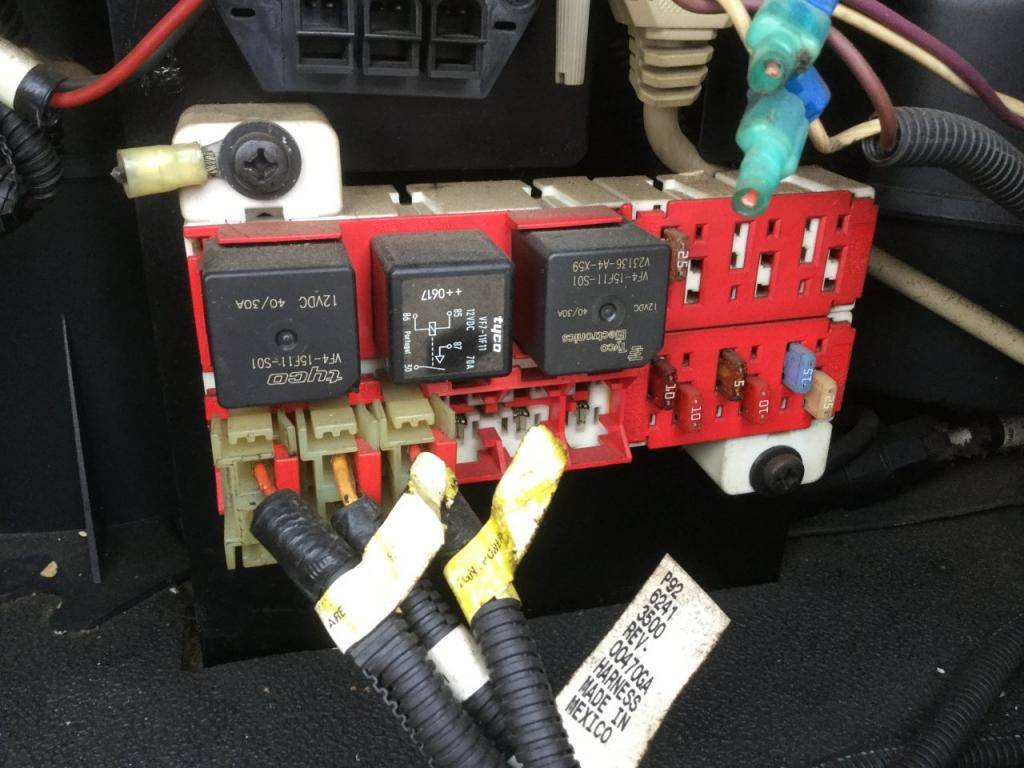 hight resolution of 2007 peterbilt 387 fuse box