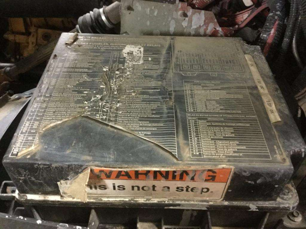 2007 sterling truck fuse box