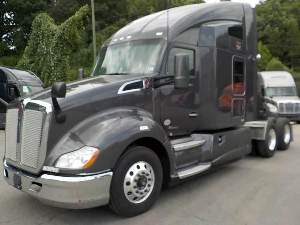 medium resolution of 2016 kenworth t680 sleeper semi truck