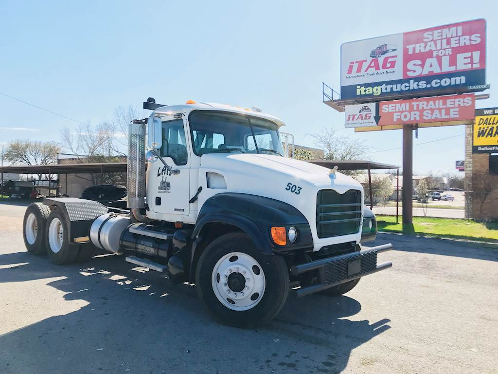 hight resolution of 2007 mack granite cv713 day cab used semi truck 474 068 miles