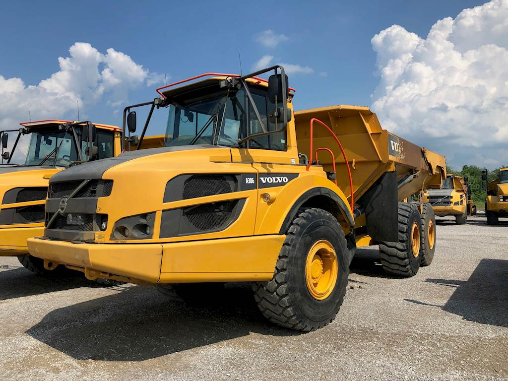hight resolution of volvo a30g articulated truck