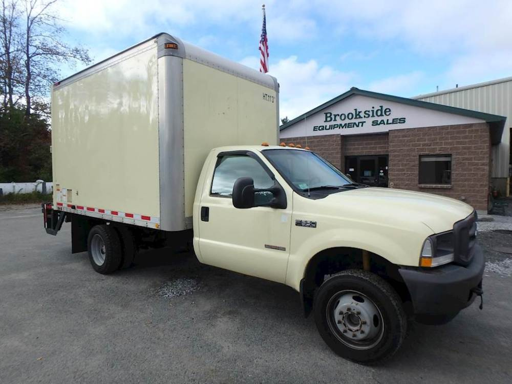 medium resolution of 2004 ford f 550 xl box truck