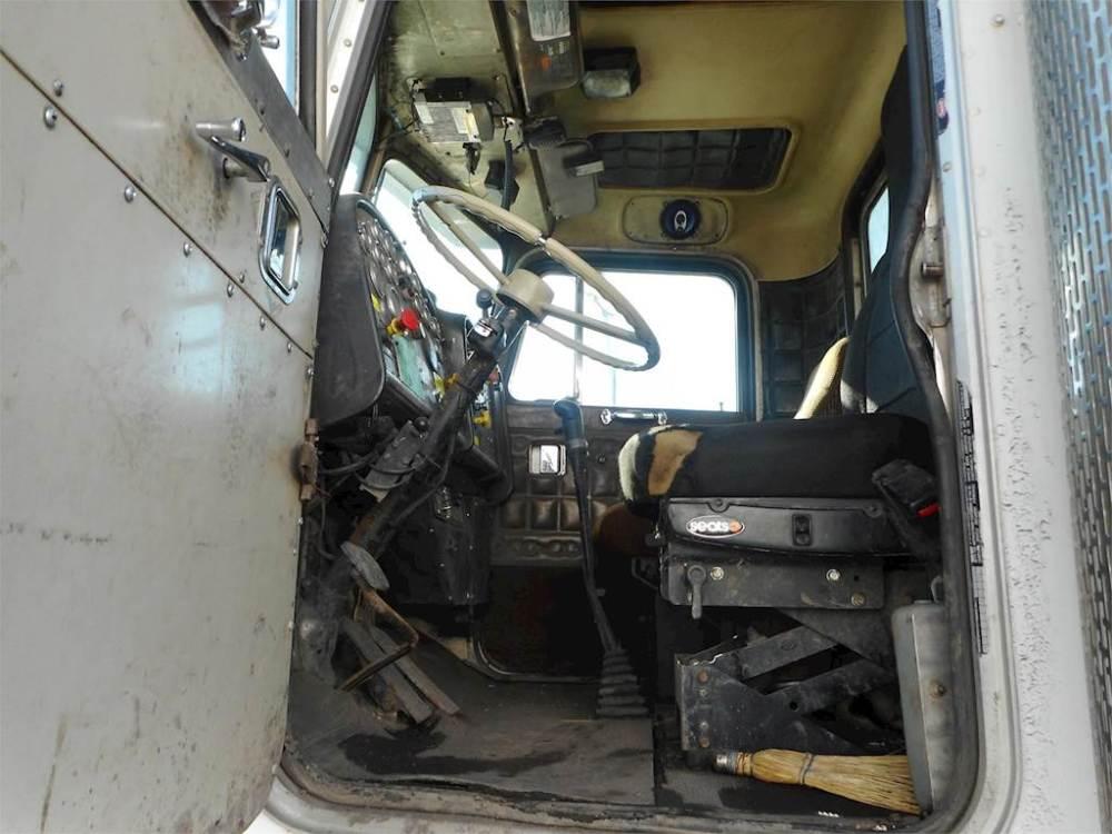 medium resolution of 1982 peterbilt 348 tandem axle vacuum truck cummins ntc 300 manual