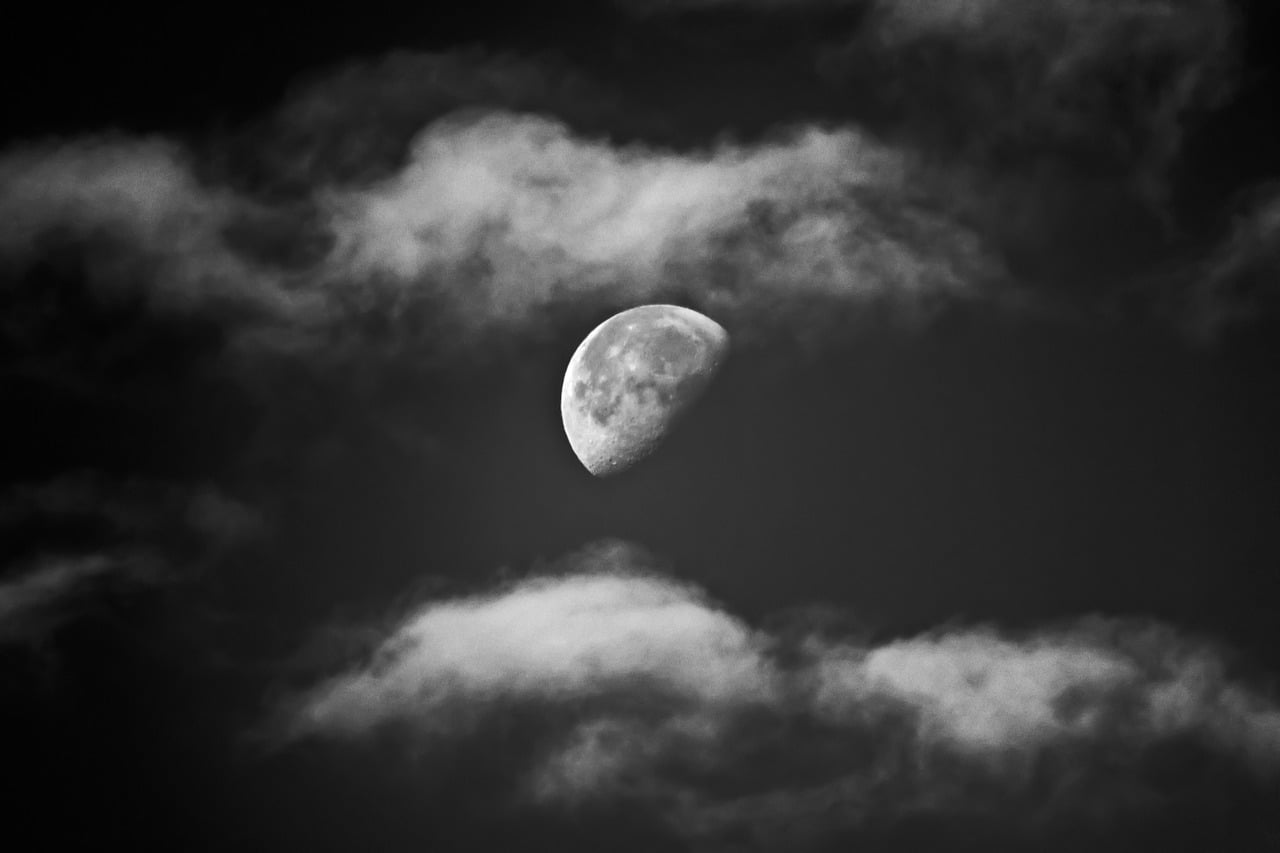 black moon to rise