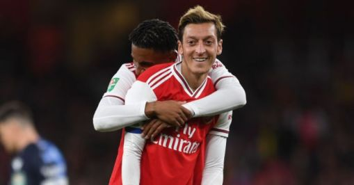 Ozil takes aim at former players for two main criticisms - Football365