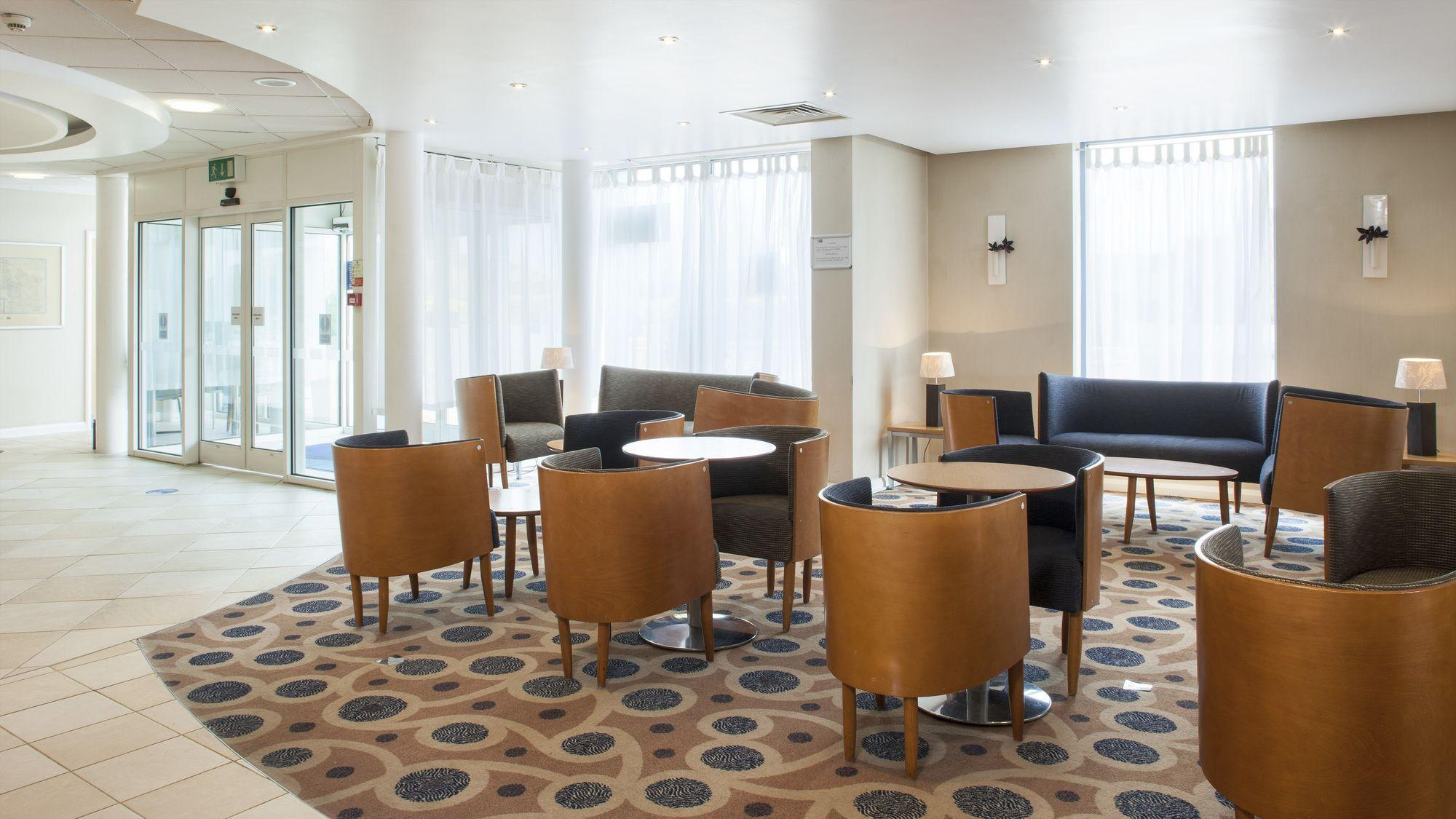 Holiday Inn Express Oxford Kassam Stadium Oxford Hotels