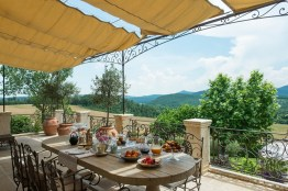 Honeymoon hotels in Italy: Borgo Santo Pietro