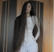 video - thigh length hair drying