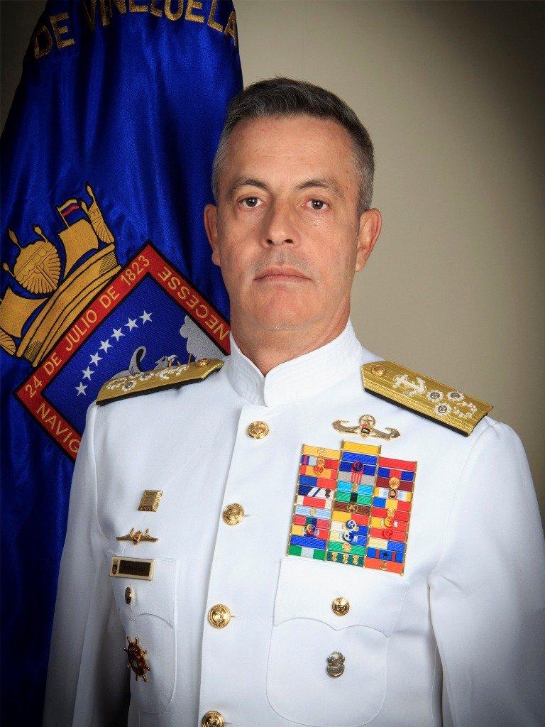 Comandante de Armada venezolana increpa a soldados por no conocerlo video