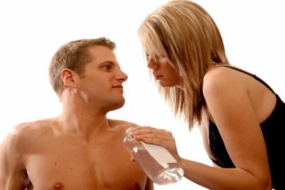 Lubricantes recomendados para tener sexo oral y en la ducha