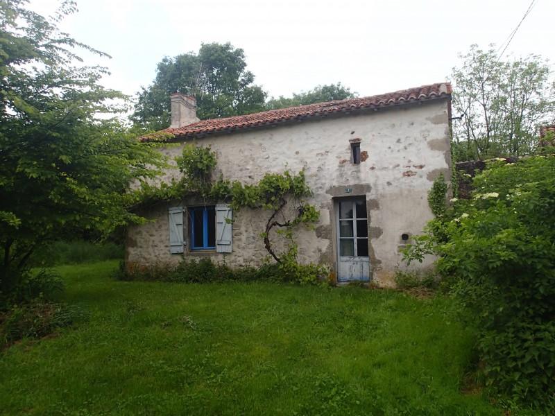 Maison  vendre en Poitou Charentes  Vienne BOURG ARCHAMBAULT Maison en pierre avec 2 chambres