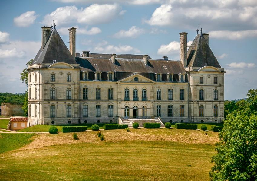 Chateau  vendre en Aquitaine  Dordogne PERIGUEUX Chteau historique avec environ 500 hectares