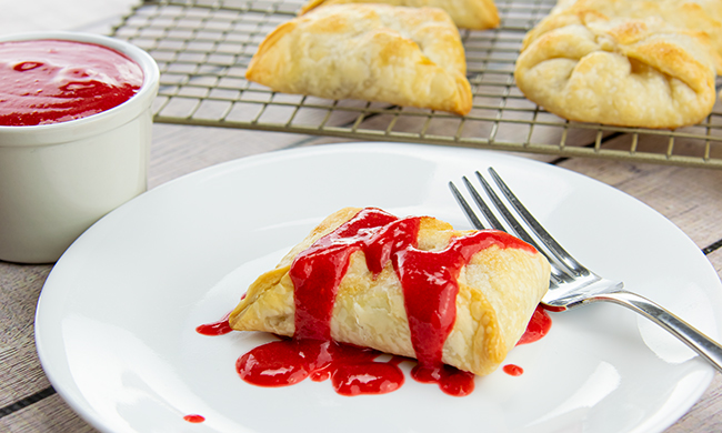 Sweet Summer Dessert Recipes: Fresh Pear Dumplings with Raspberry Sauce Free Cooking and BBQ Magazine