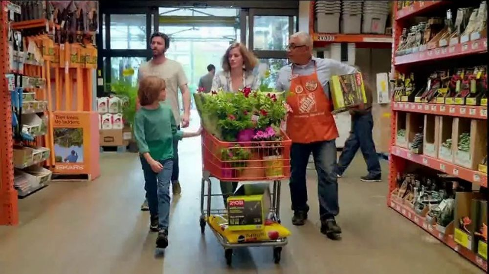 The Home Depot Spring Black Friday TV Commercial. 'Garden Soil and Mulch' - iSpot.tv