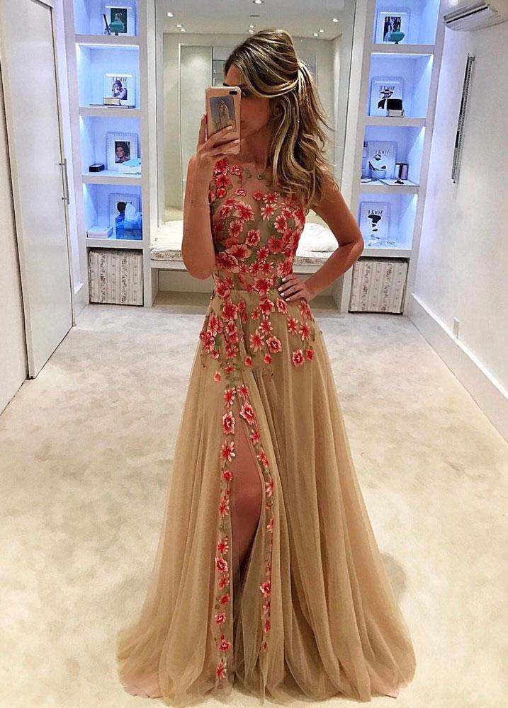 2018 Prom DressUnique champagne tulle applique long prom