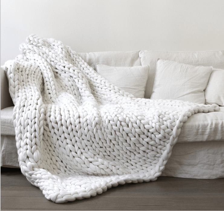 of girl  White chunky knit blanket knitted blanket