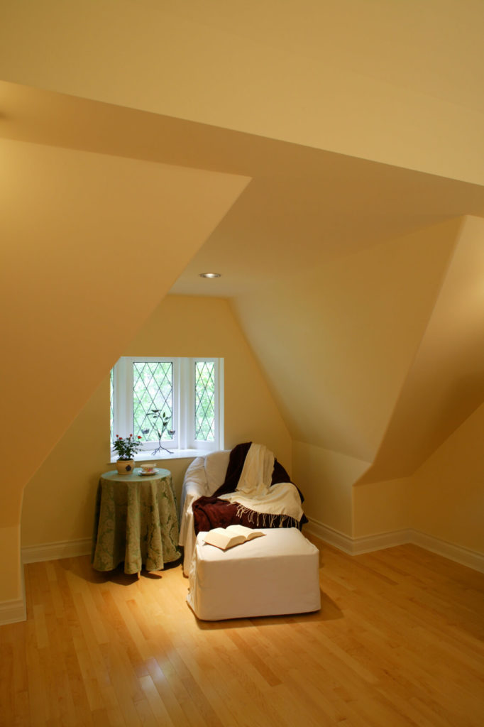 18 Attic Rooms Designs and Space Ideas