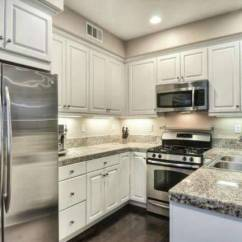 3 Light Kitchen Island Pendant European Cabinets 25 Elegant Kitchens Without Windows (pictures)