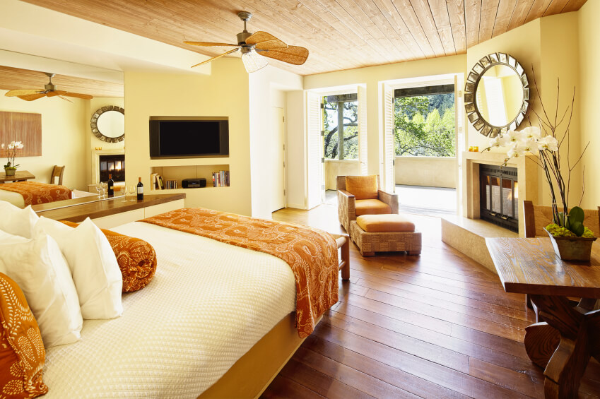 You know how you feel when you take a trip to the mountains or to the beach and you are then feeling grounded and refreshed, so does drifting off to slumber in a bedroom filled with earthy tans, rocky grays and bossy browns. 16 Luxurious Bedrooms Complete with Flatscreen Televisions