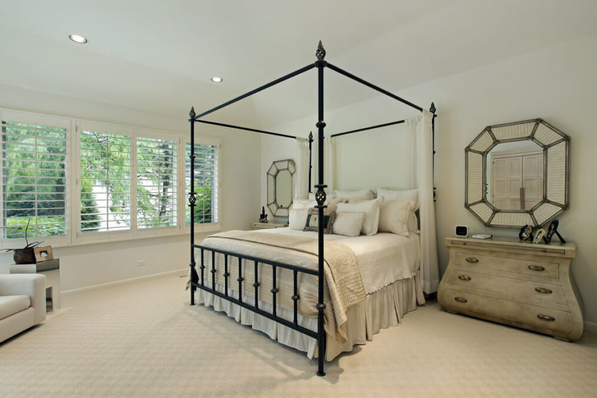 18 Master Bedrooms Featuring Canopy Beds And Four Poster