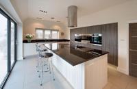 36 Inspiring Kitchens with White Cabinets and Dark Granite ...