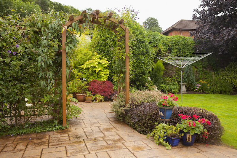 31 Backyard Arbor Designs and Ideas