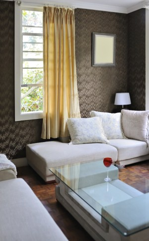 living decor common less textured furniture glass gray lots wall element today walls interesting into decor muted difference right behind