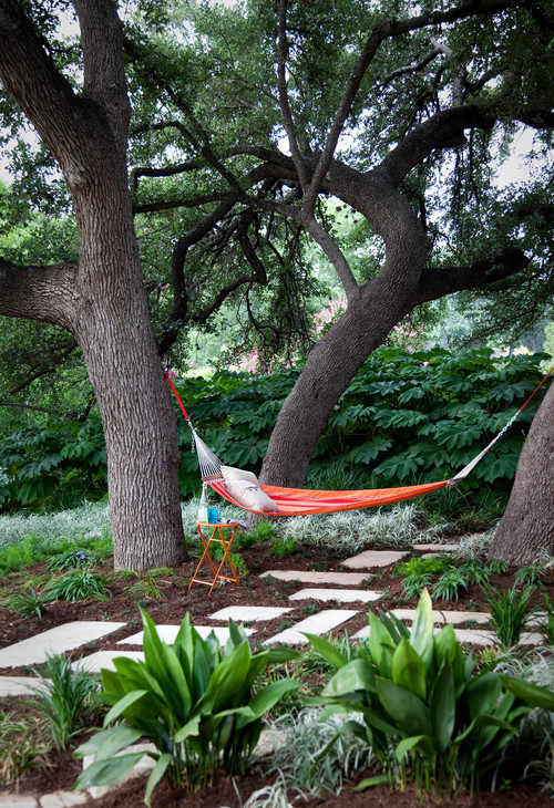 lazy-day backyard hammock ideas