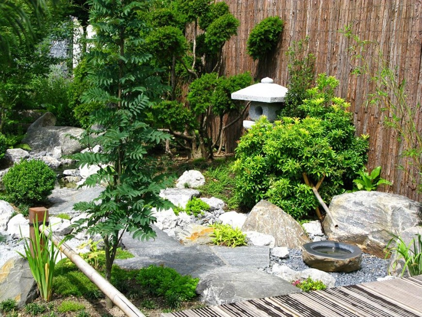 Japanese Garden Designs For Small Spaces Providing Fresh Sensation