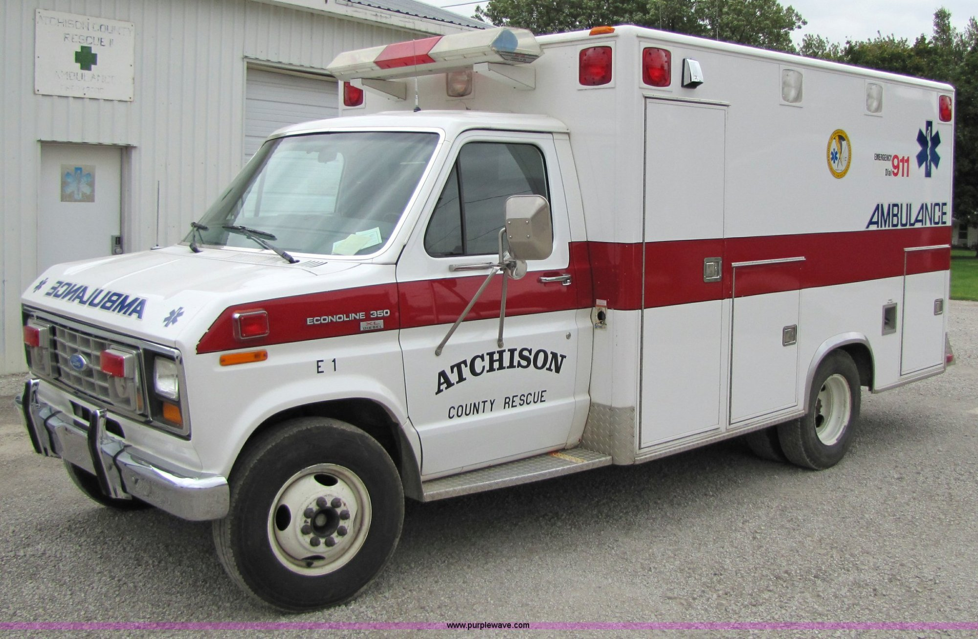 hight resolution of 4767 image for item 4767 1990 ford econoline e350 ambulance