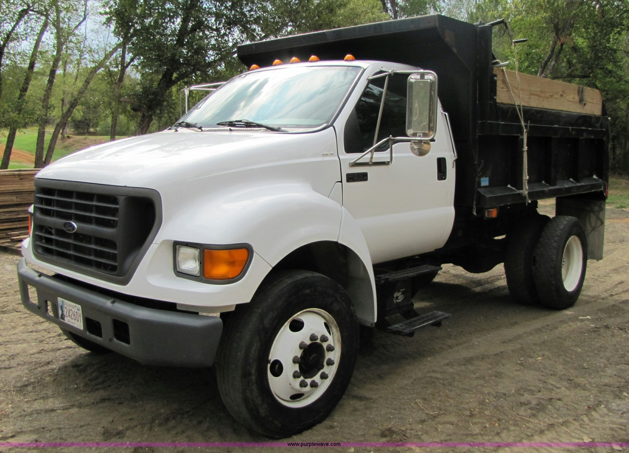 hight resolution of a4640 image for item a4640 2003 ford f650 super duty dump truck