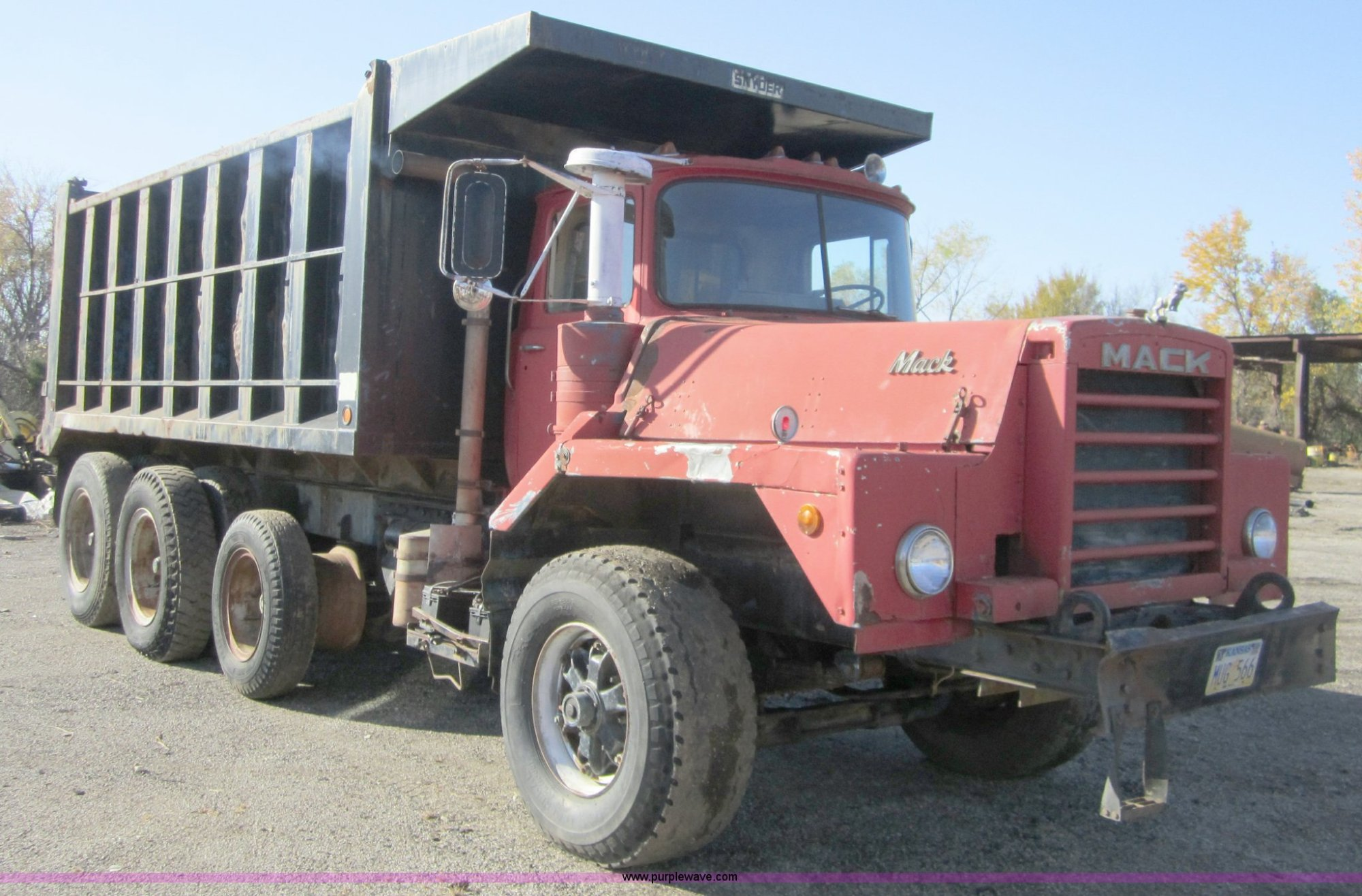 hight resolution of c5166 image for item c5166 1973 mack dm800 dump truck