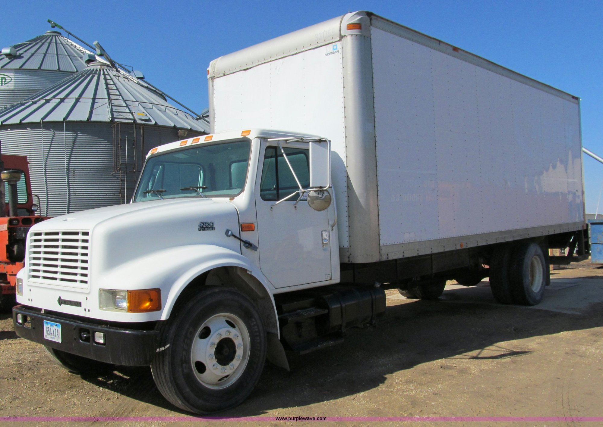 hight resolution of a7506 image for item a7506 1999 international 4700 box truck