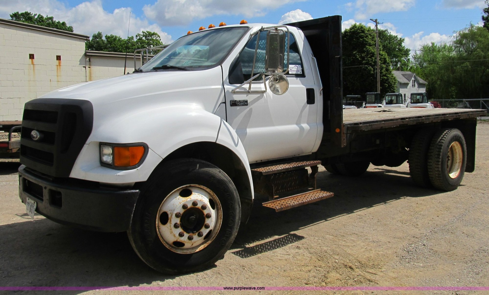 hight resolution of b2709 image for item b2709 2004 ford f650 xl super duty flat bed truck