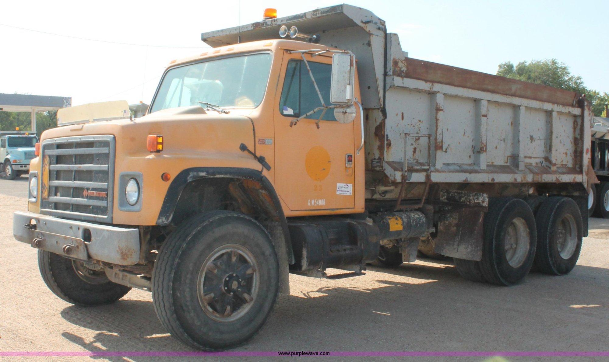 hight resolution of 1989 international s1900 dump truck item c2715 sold tue 1989 international s1900