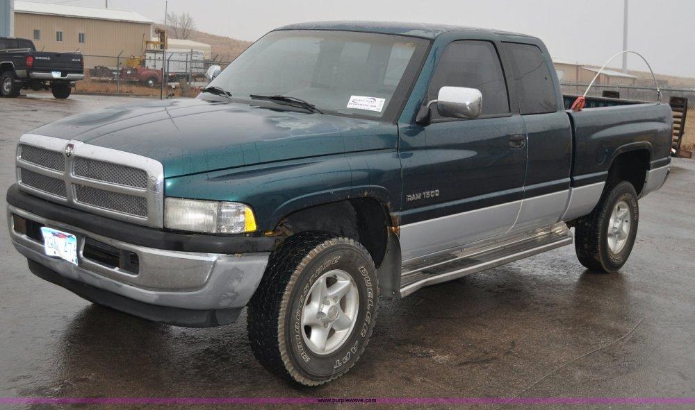 medium resolution of c3132 image for item c3132 1997 dodge ram 1500 extended cab pickup truck