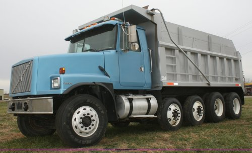 small resolution of f2712 image for item f2712 1998 volvo wg dump truck