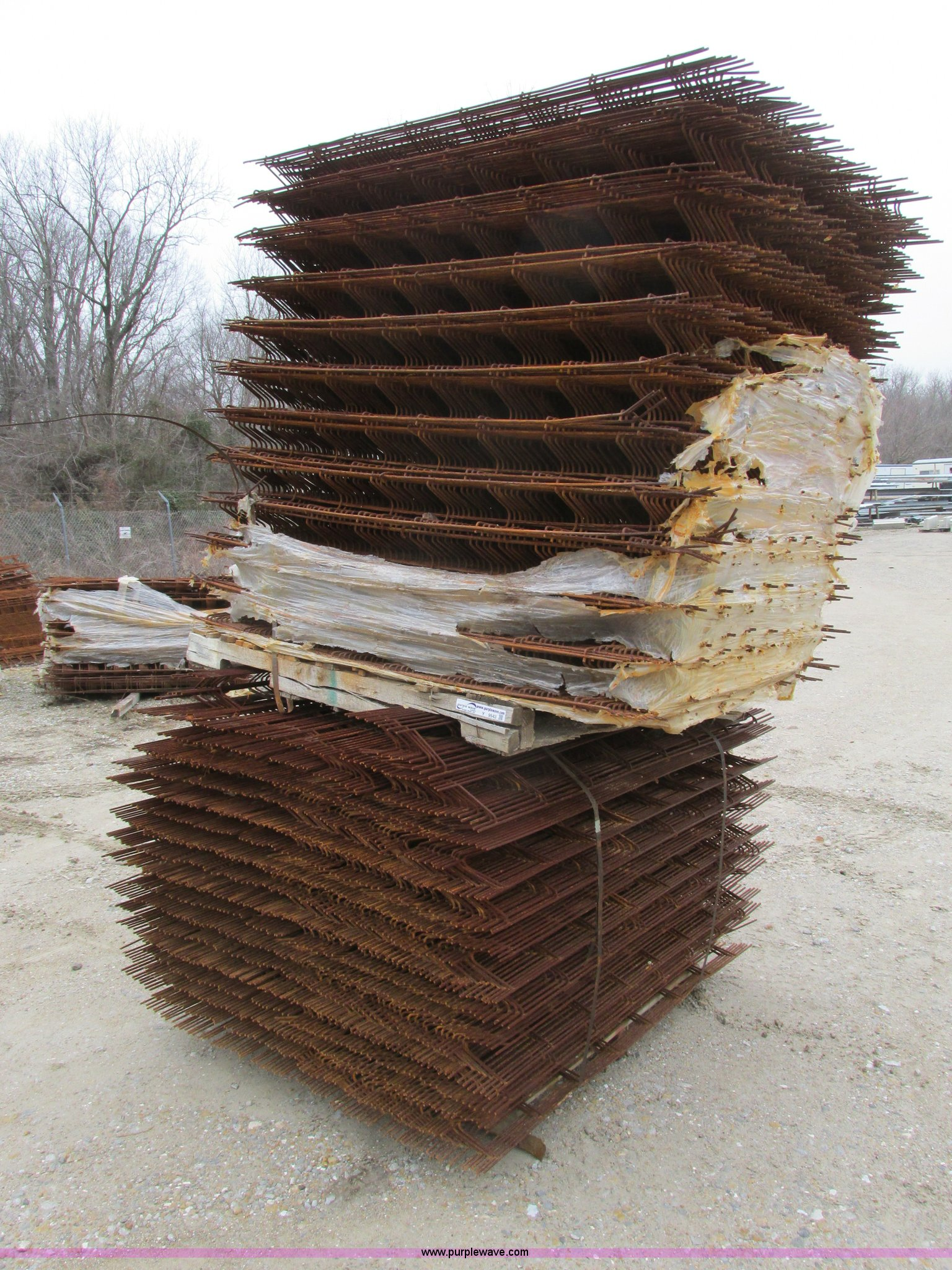 Concrete Rebar Chairs Approximately 1 800 Assorted Concrete Rebar Chairs Item Y9