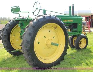 1952 John Deere B tractor | Item G5394 | SOLD! May 29