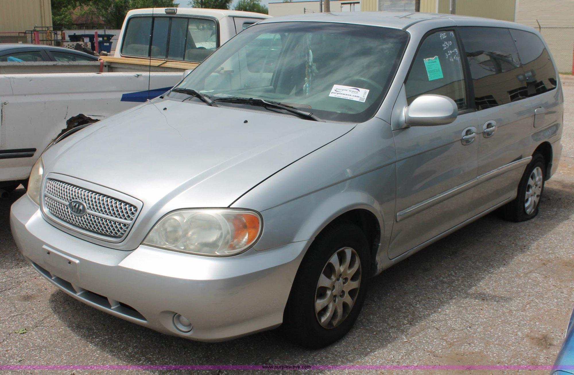 hight resolution of h3567 image for item h3567 2004 kia sedona minivan
