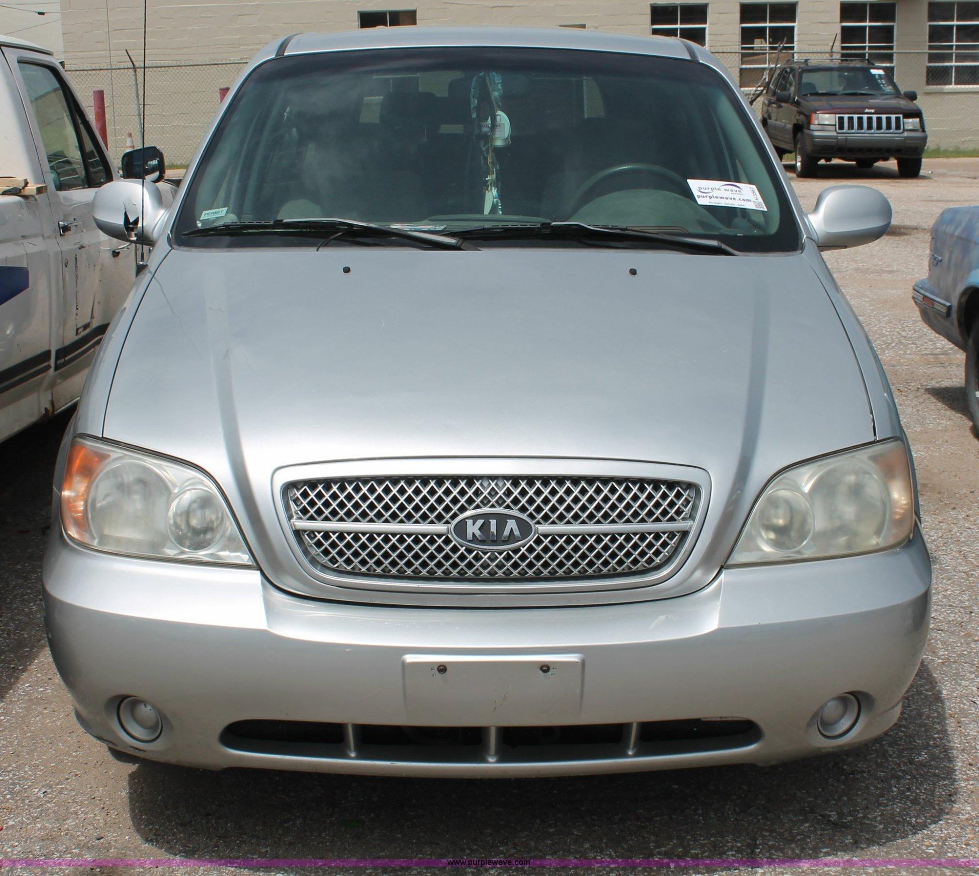 hight resolution of  2004 kia sedona minivan full size in new window