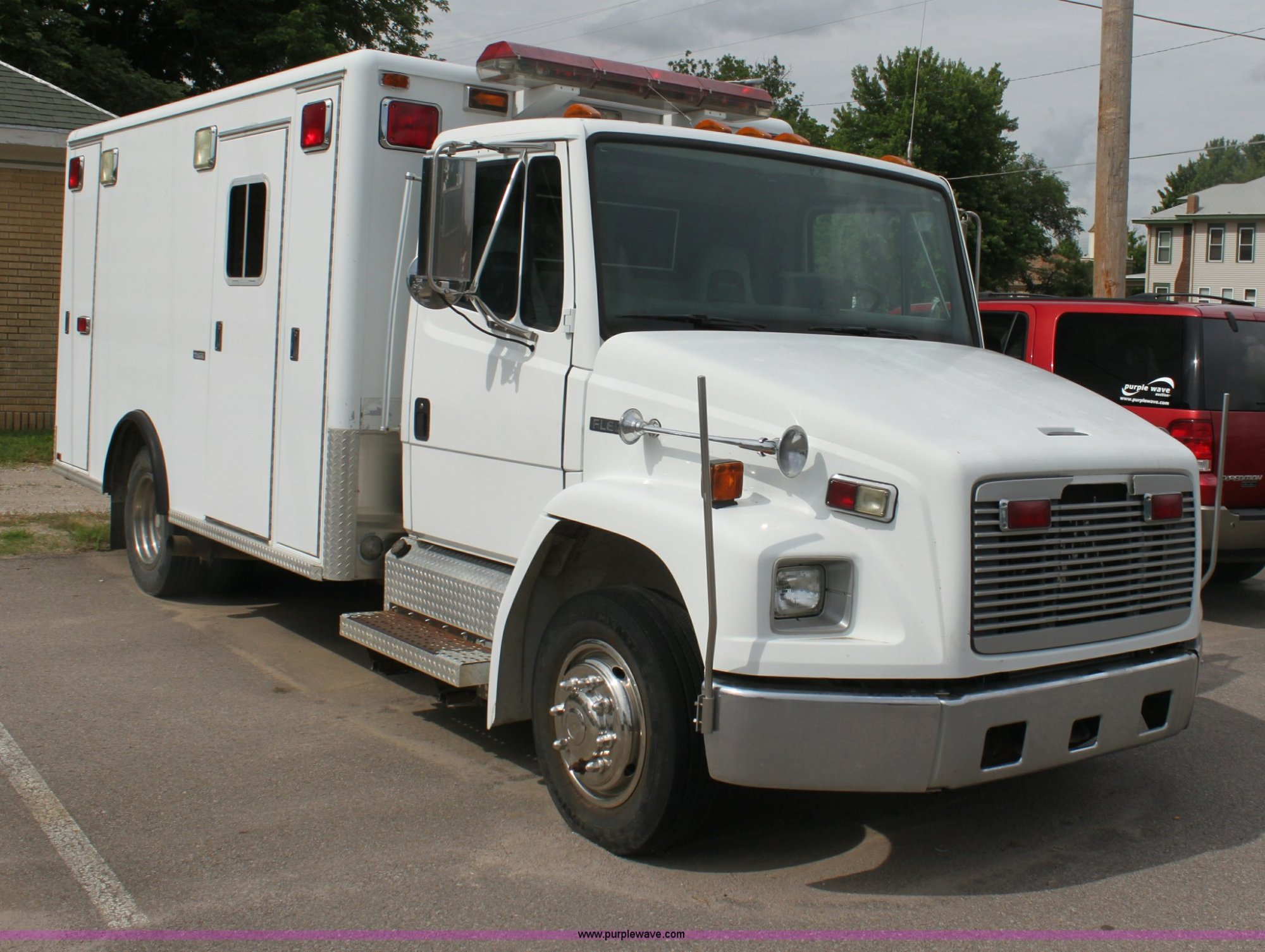 hight resolution of h7456 image for item h7456 1996 freightliner fl60 emergency vehicle