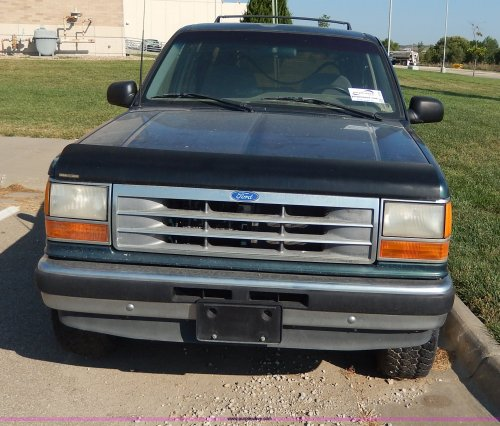 small resolution of  1994 ford explorer xlt suv full size in new window