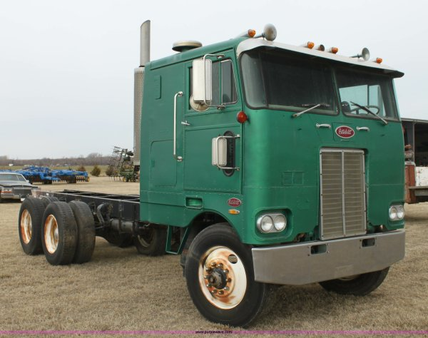 Peterbilt 352 - Year of Clean Water