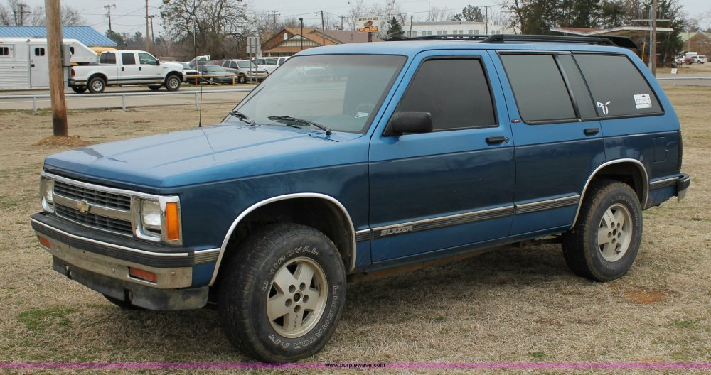 medium resolution of j2310 image for item j2310 1991 chevrolet s10 blazer tahoe suv