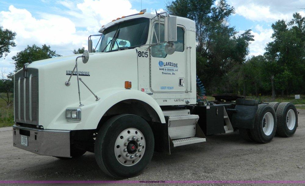medium resolution of k8144 image for item k8144 2001 kenworth t800 semi truck
