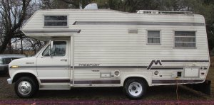 1983 Ford Econoline Coachmen FreePort motorhome | Item